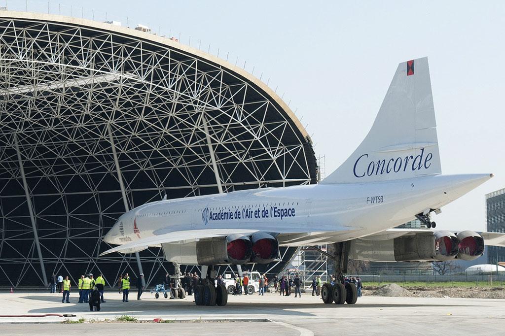 <strong>O Concorde, apesar do glamur do voo supersônico, acabou virando peça de museu, após pouco menos de 30 anos de operações.</strong>