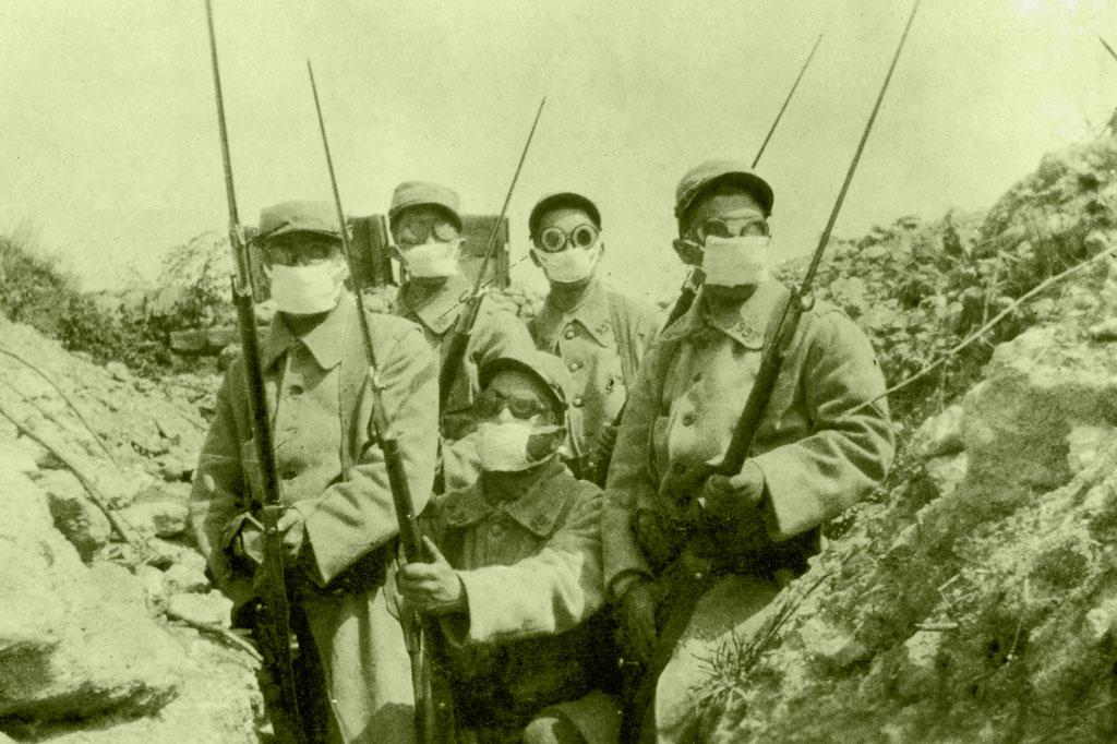 <strong>Os gases venenosos foram mais um elemento irritante e extremamente desgastante na tenebrosa rotina das trincheiras.</strong>