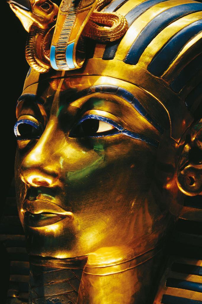 <strong>Com cerca de 3 500 anos, máscara funeral de Tutancâmon é um dos símbolos do poder dos faraós do Egito. E de sua eternidade.</strong>