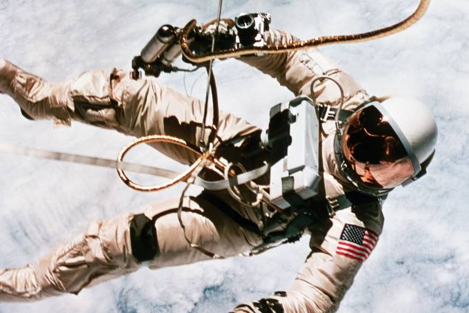 Volume do cérebro de astronautas pode aumentar após longas viagens ao espaço