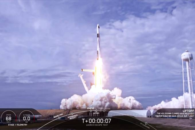 NASA anuncia primeira viagem tripulada da SpaceX em maio