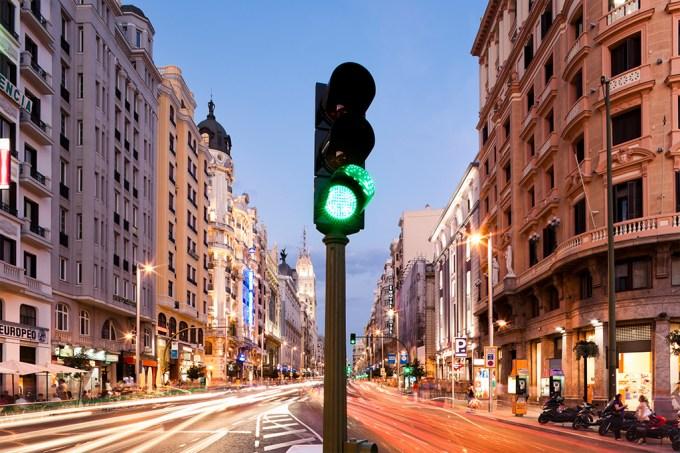 ORCL | Onde foi instalado o primeiro semáforo?