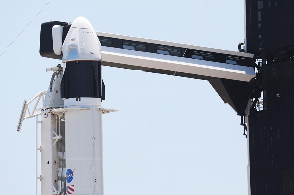 Missão tripulada da Nasa com a SpaceX finalmente decola