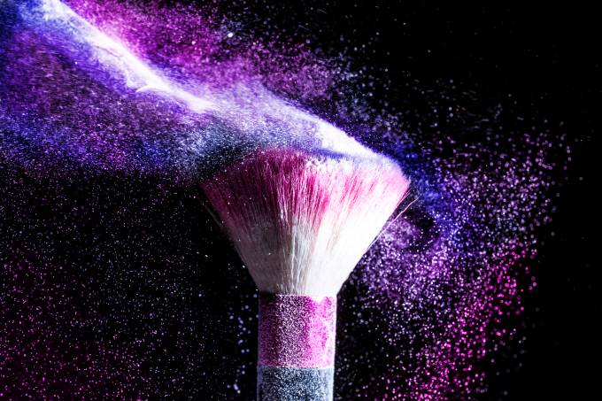 Powder blowing from makeup brushes