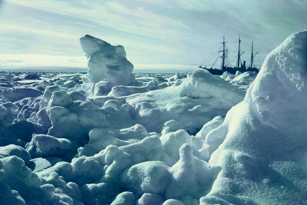 <strong>O Endurance resistiu bravamente, até ser esmagado pelo gelo.</strong>