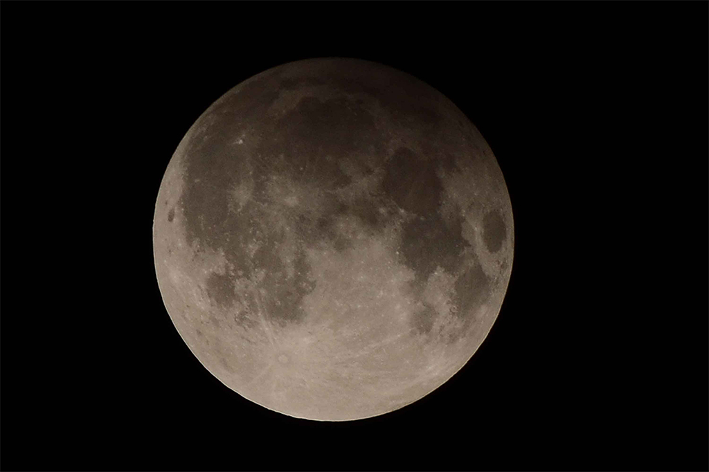 Eclipse penumbral da Lua acontece hoje – e poderá ser visto do Brasil |  Super