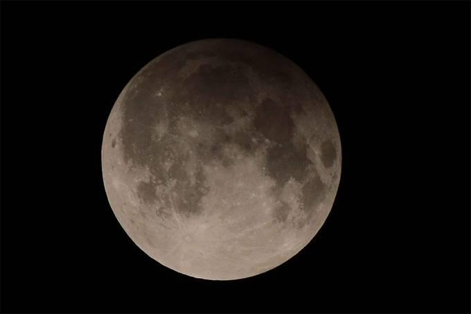 Eclipse lunar penumbral acontece hoje (05/06)