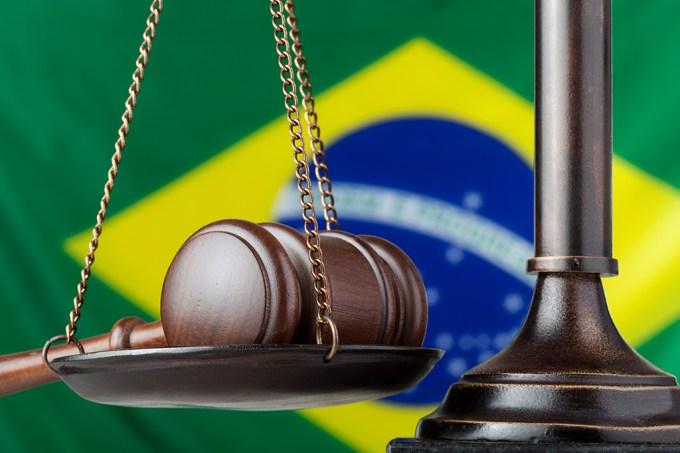 Blog Versi | Com holerites que podem superar os R$ 200 mil, juízes rasgam a Lei nas nossas caras
