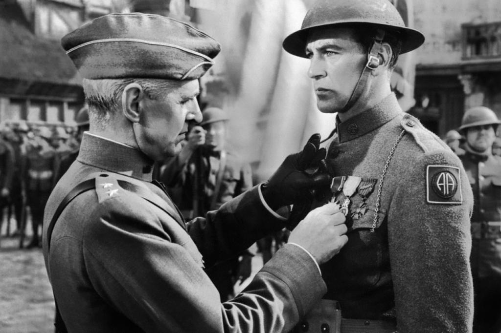 <strong>FILME PRÓ-GUERRA – <em>Sargento York</em> (1941) estimulou o alistamento com a história de um camponês pacifista que virou herói de guerra.</strong>