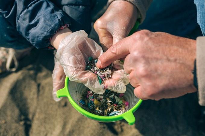 Ilhas Maldivas registra maior nível de poluição por microplástico do planeta