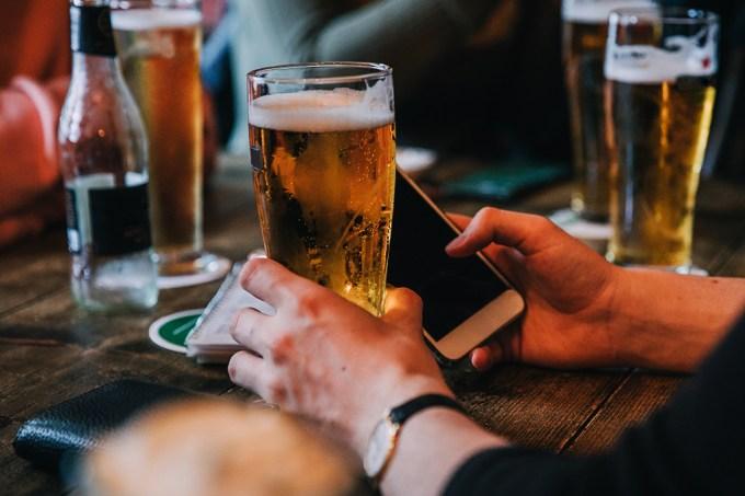 App de celular detecta se usuário está bebado pelo jeito de andar
