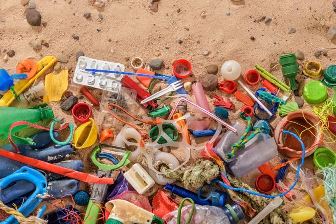 20-Atlântico tem 10 vezes mais plástico do que se estimava anteriormente