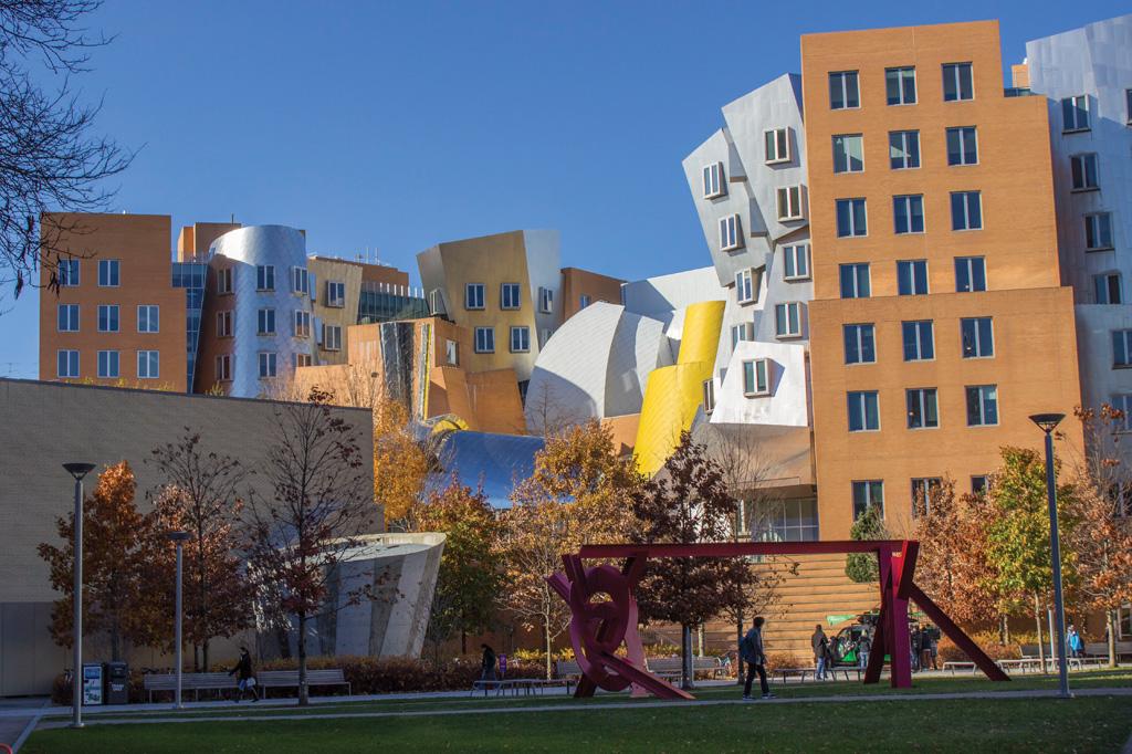 <strong>Tem 18 prédios destinados à moradia estudantil.</strong>