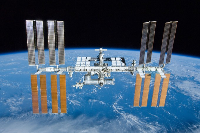 ISS é obrigada a fazer manobra para não colidir com restos de foguete