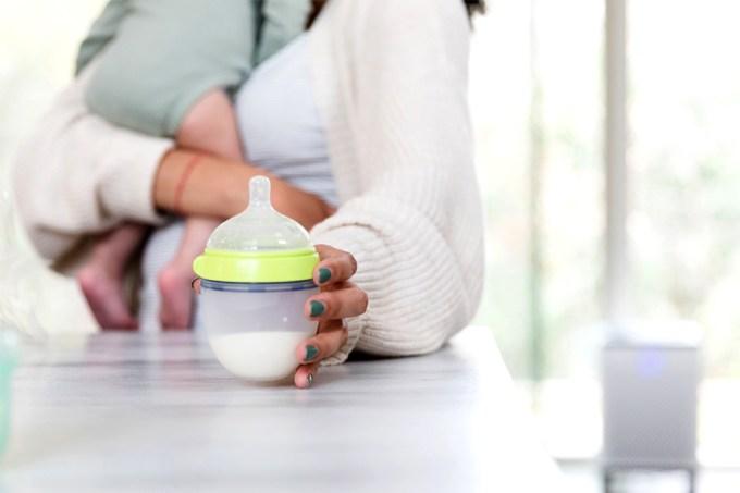 Startups investem no desenvolvimento de leite materno em laboratório