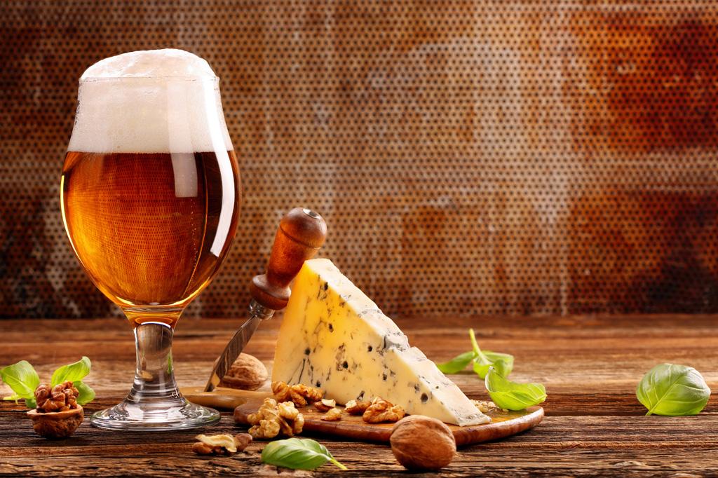 <strong>A maior versatilidade da cerveja se deve à ilimitada combinação de ingredientes e processos possível na criação de uma receita cervejeira.</strong>