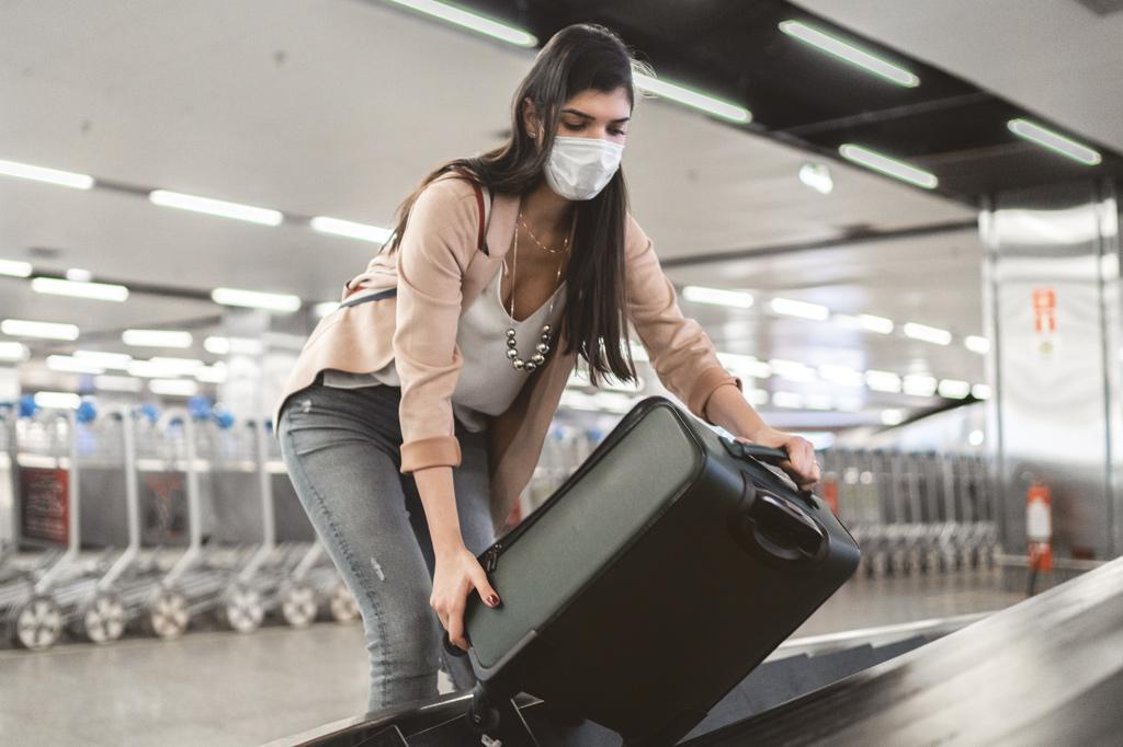 <strong>Autonomia preventiva: os passageiros ficaram responsáveis por realizar boa parte dos procedimentos anteriores ao embarque, como forma de reduzir o contato.</strong>