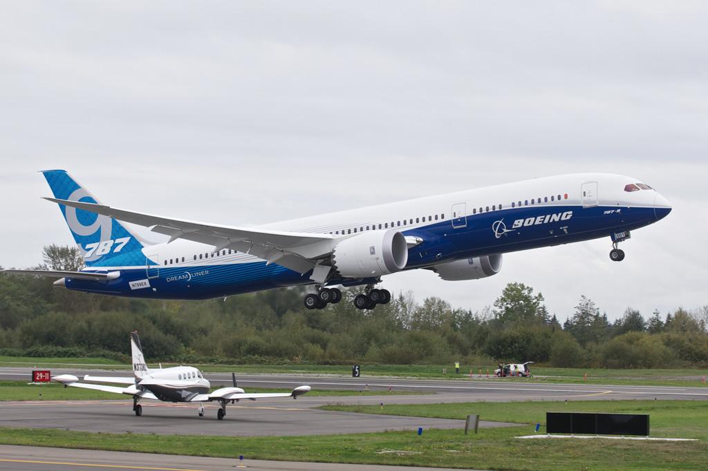 <strong>No embalo das rotas point-to-point, o revolucionário 787 Dreamliner tornou-se um dos campeões de vendas da Boeing.</strong>
