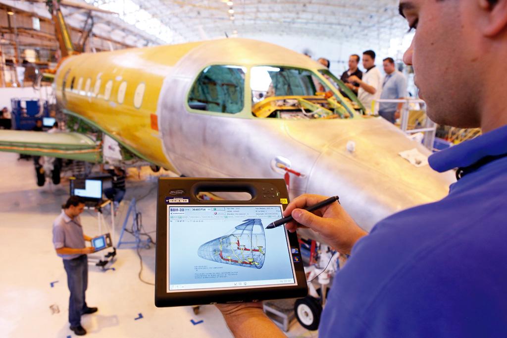 <strong>A Embraer é reconhecida pelo avanço tecnológico, caso único no setor de aviação entre os países em desenvolvimento.</strong>