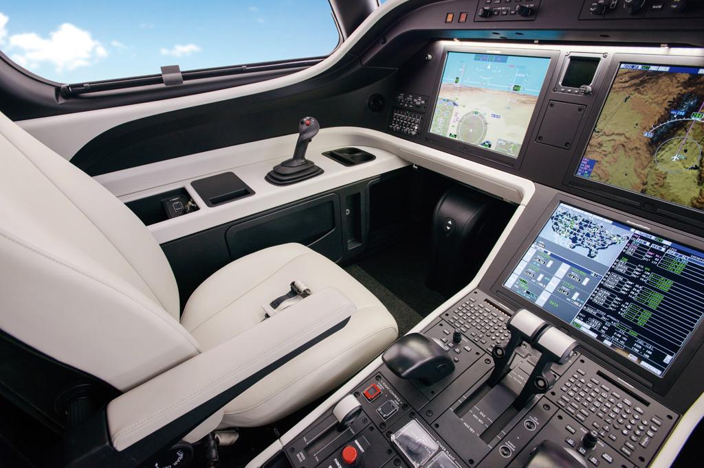 <strong>Legacy 500: cockpit de última geração oferece comodidade à tripulação.</strong>