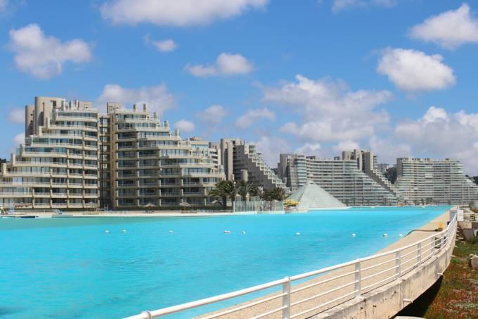 ORCL | Como se limpa a maior piscina do mundo?