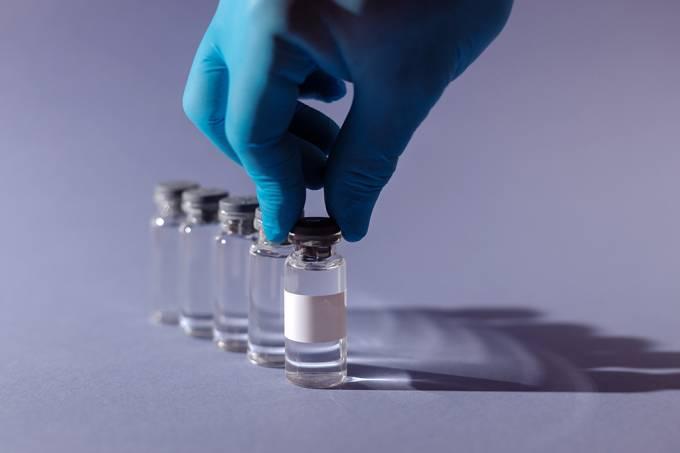Vacinas X Covid: chegar é uma coisa, ultrapassar é outra