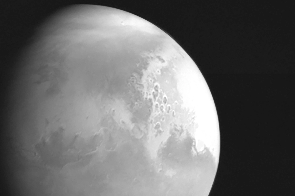 Foto de Marte, tirada pela sonda chinesa Tianwen-1.