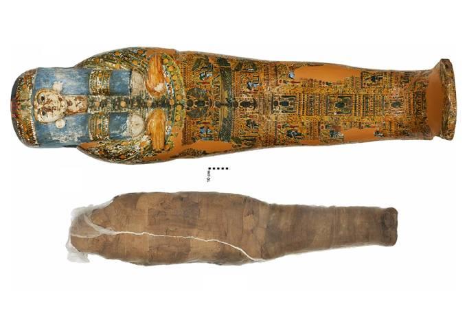 Encontrada múmia revestida por uma carapaça de barro