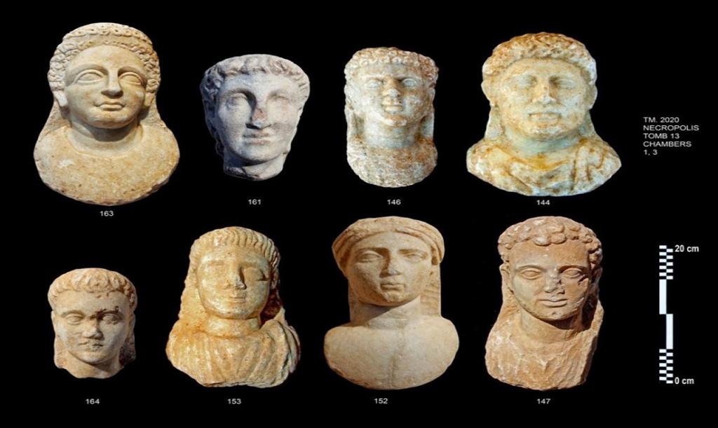 Esculturas encontradas em Alexandria.