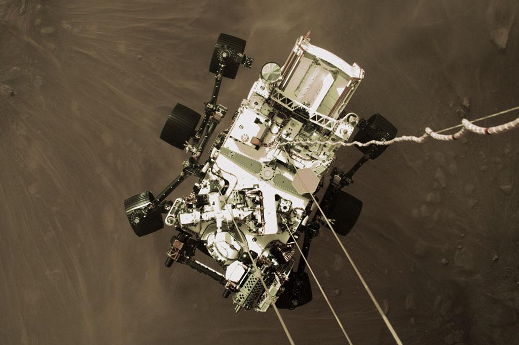 Foto do Perseverance pousando em Marte.