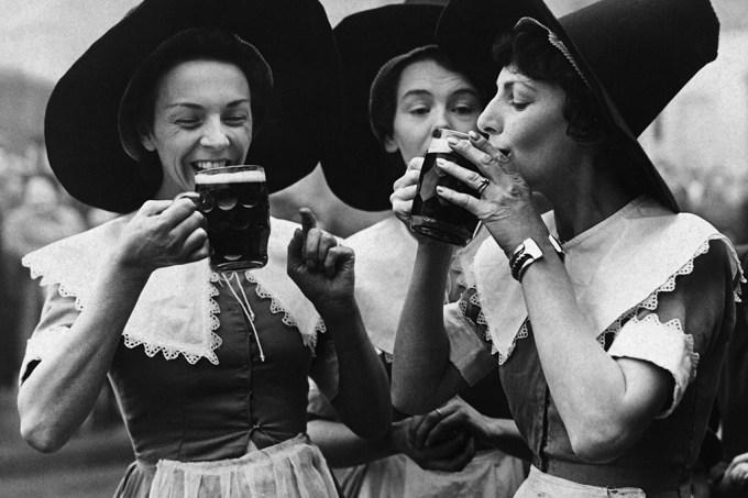 História das mulheres que faziam cerveja e foram acusadas de bruxaria