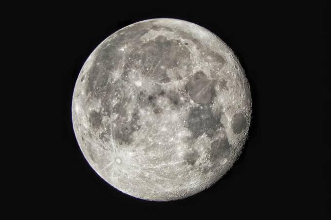 China e Rússia revelam plano conjunto para estação espacial lunar