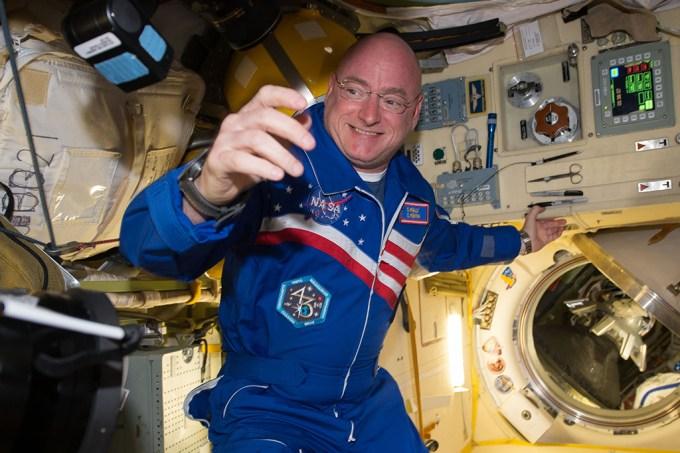 Coração de astronauta encolheu um quarto após um ano no espaço