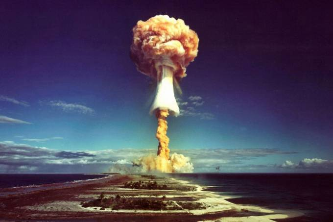Mais de 100 mil foram afetados pelos testes nucleares franceses na Polinésia, revela relatório
