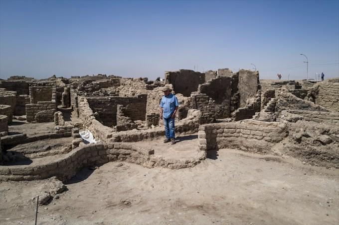 Arqueólogos descobrem cidade de 3 mil anos no Egito