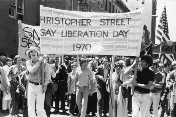 Como foi a primeira parada do Orgulho LGBT