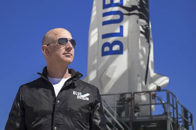 Jeff Bezos irá ao espaço em julho – no primeiro lançamento tripulado da Blue Origin, sua empresa de foguetes