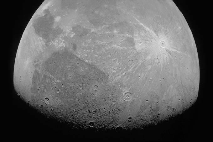 Nasa divulga primeiras imagens de lua de Júpiter feitas com a espaçonave Juno 4