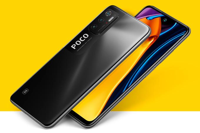 Smartphone POCO M3 Pro 5G, de frente e de costas, na cor preta, num fundo amarelo.