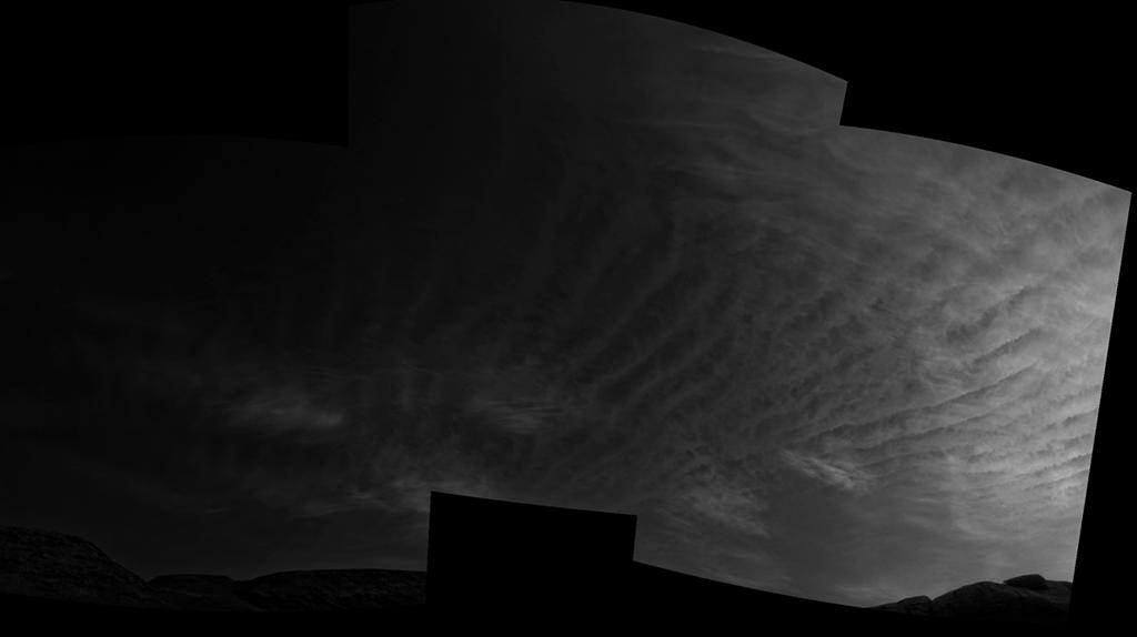 Foto de nuvens capturadas em Marte pelo rover Curiosity.