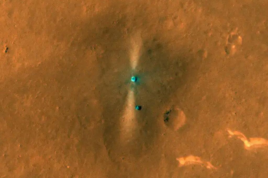 Visão aérea do rover e da plataforma de pouso.