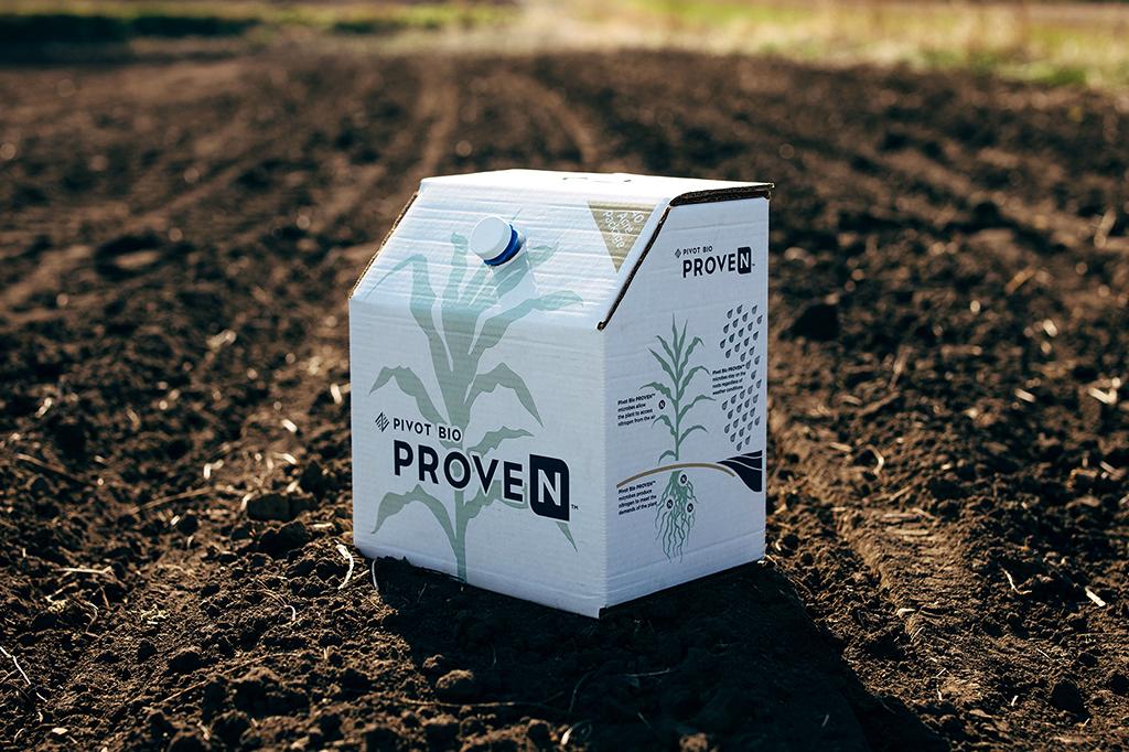 Foto de uma caixa do biofertilizante ProveN.