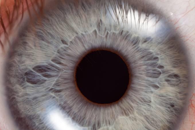 Alemão de 23 anos é capaz de contrair e dilatar as pupilas dos olhos, mostra estudo