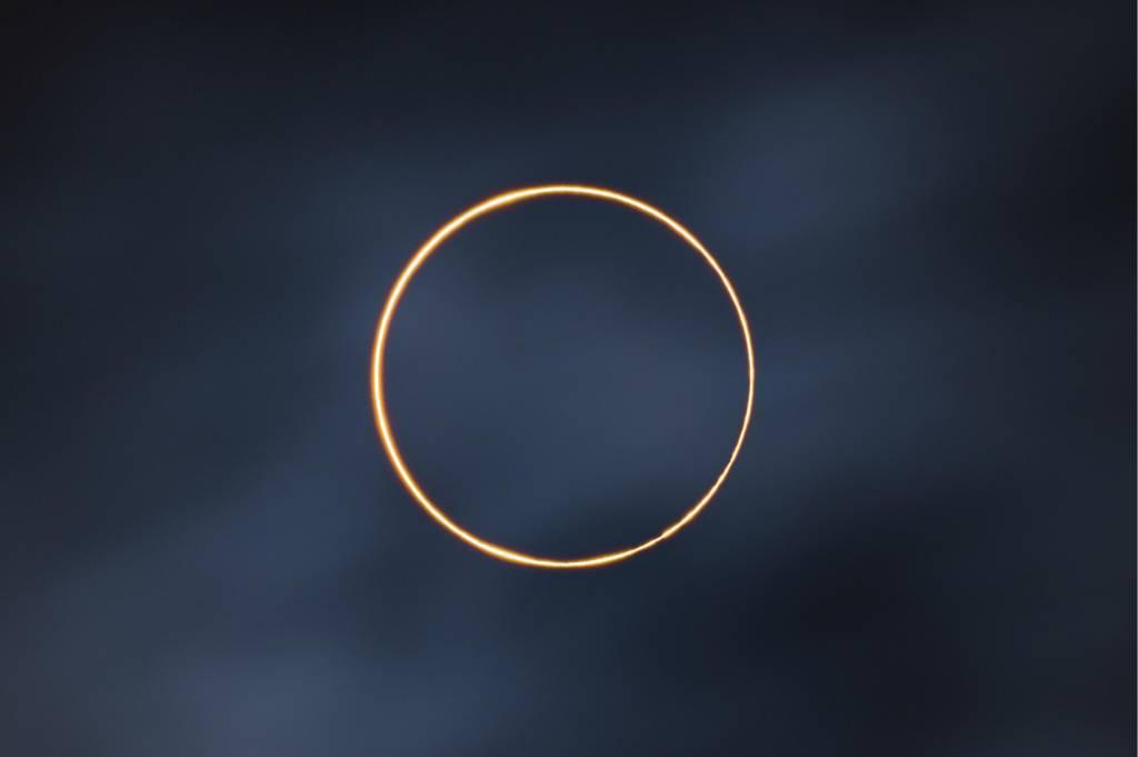 Foto do eclipse solar