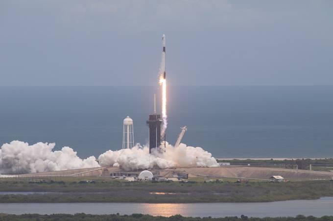 Space X: entenda como funcionará a missão que levará civis ao espaço